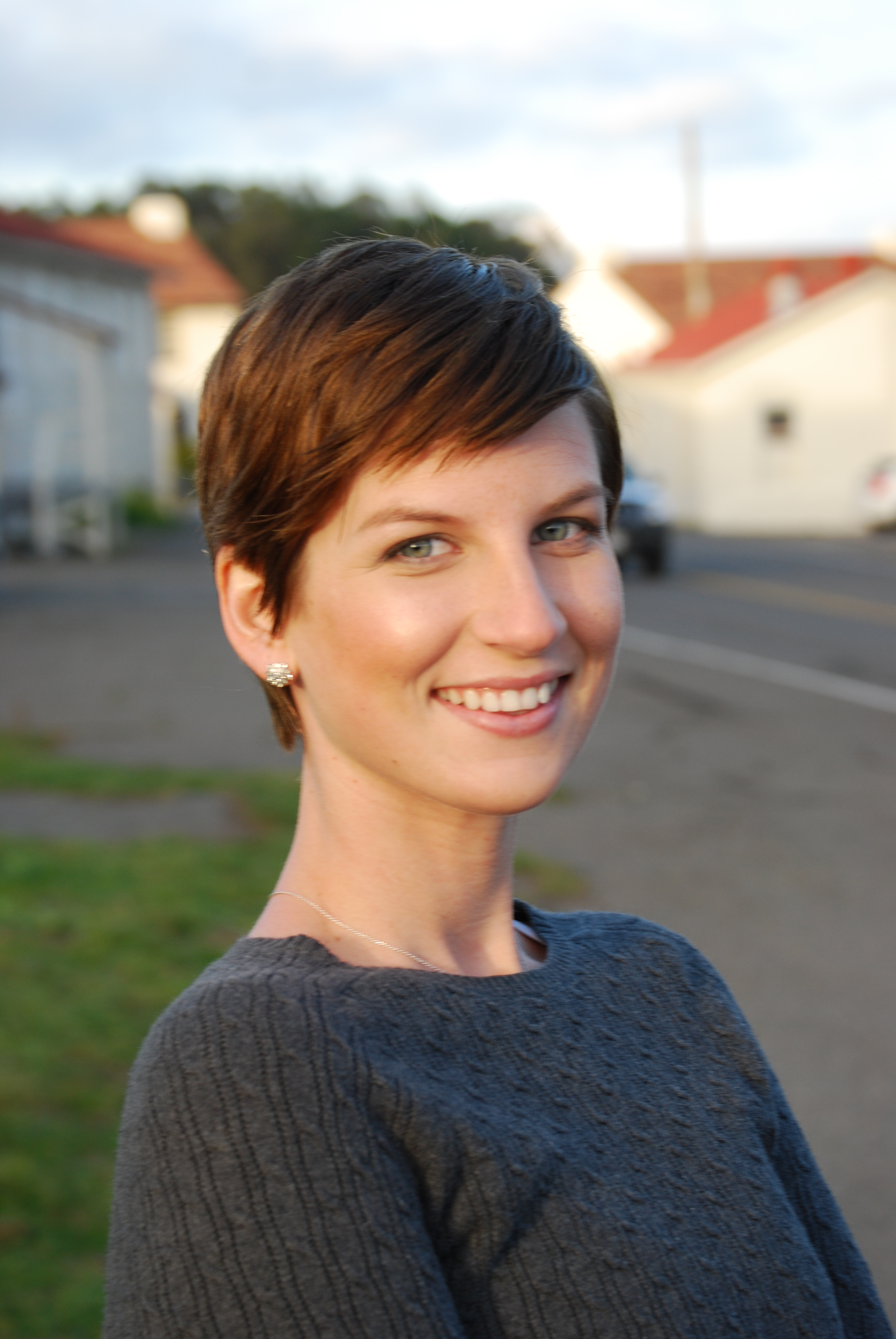 Fantastic Blending Beautiful How To Gracefully Grow Out A Pixie Cut Short Hairstyles Gunalazisus